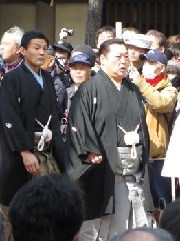 Kitanoumi_and_Takanohana_in_Sumiyoshi_Taisha_IMG_1433-2_20130302.jpg